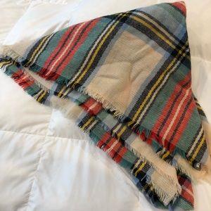 NWOT Aerie plaid blanket scarf